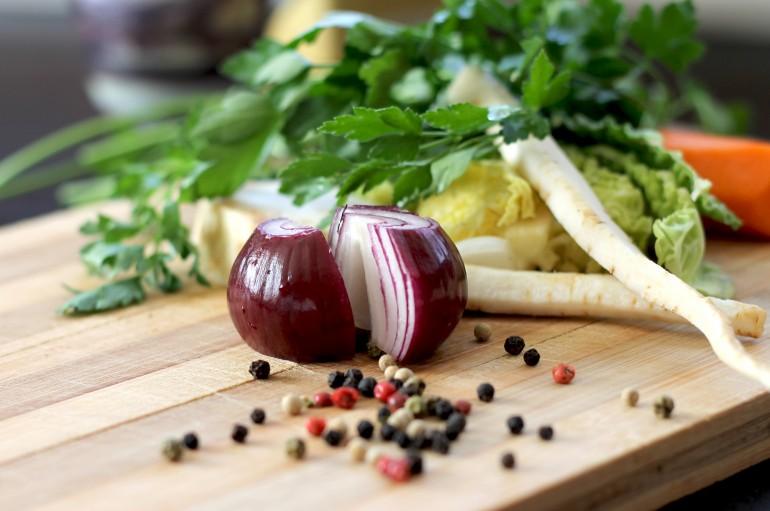 community table food image